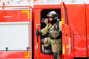 Россиянка случайно сожгла затопленный дом